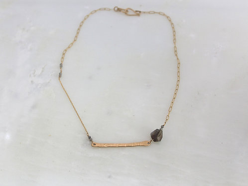 Hammered bar choker
