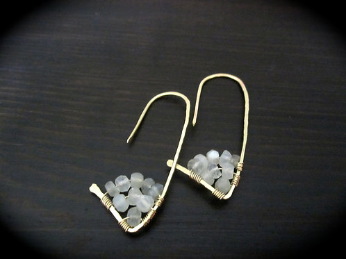 Amiti Short Earrings in Moonstone