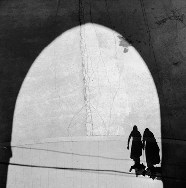Les ombres, parvis de la Basilique