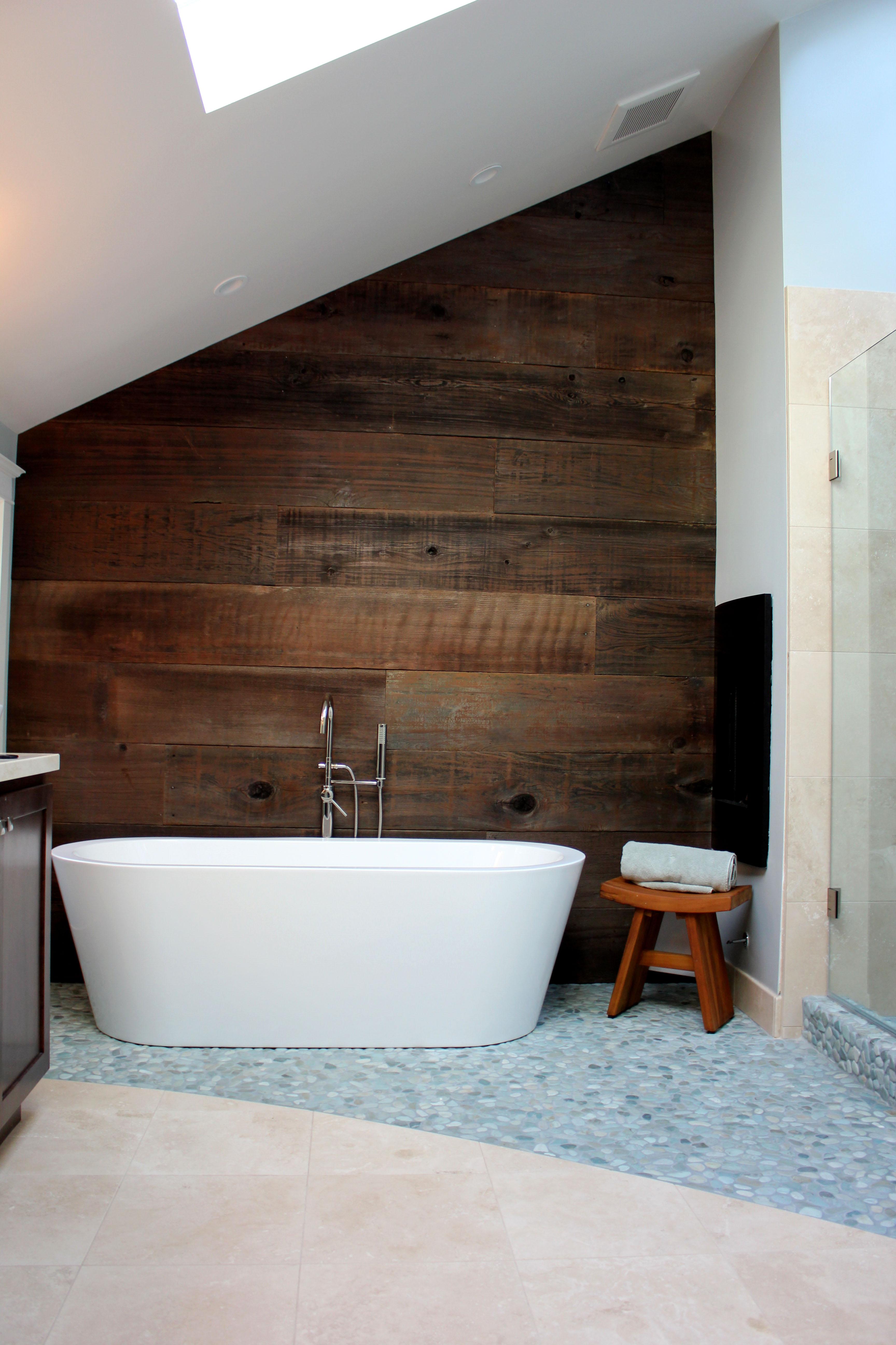 Master Bath - Tub View