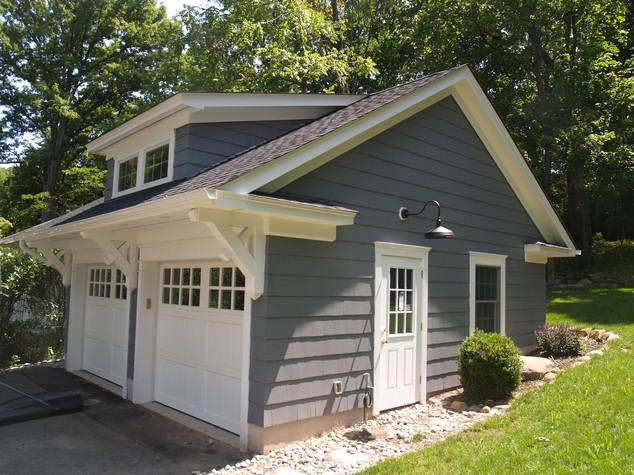 SHINGLE STYLE CARRIAGE HOUSE
