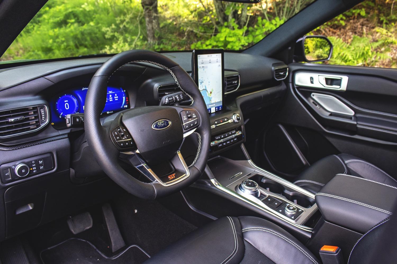 2020-Ford-Explorer-ST-Interior-Portland-
