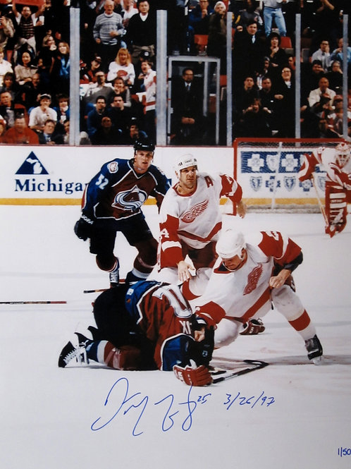 Darren McCarty Autographed Fight Shot