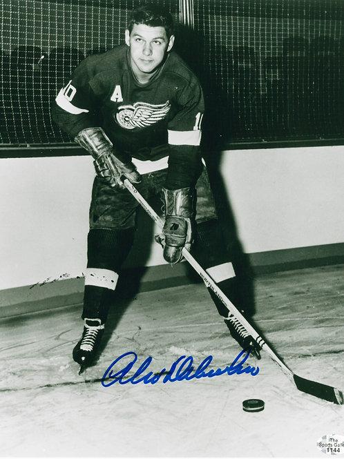 Alex Delvecchio Red Wings Signed B/W Photo 8x10