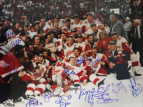 '97 Detroit Red Wings Stanley Cup SIGNED Photo