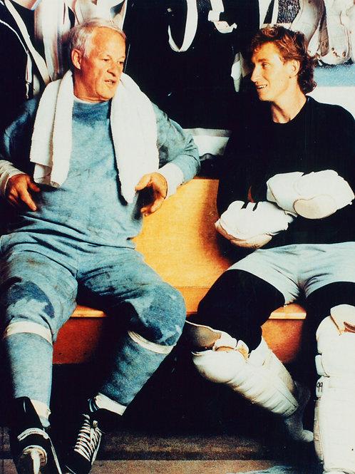 Gordie Howe Wayne Gretzky - 8x10, Unsigned