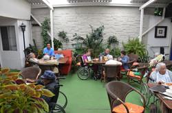 Jardin de estancia adultos mayores