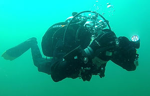 A Diver practicsing his self rescue skills on the PADI Rescue diver course.