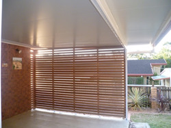 Patio with side screen
