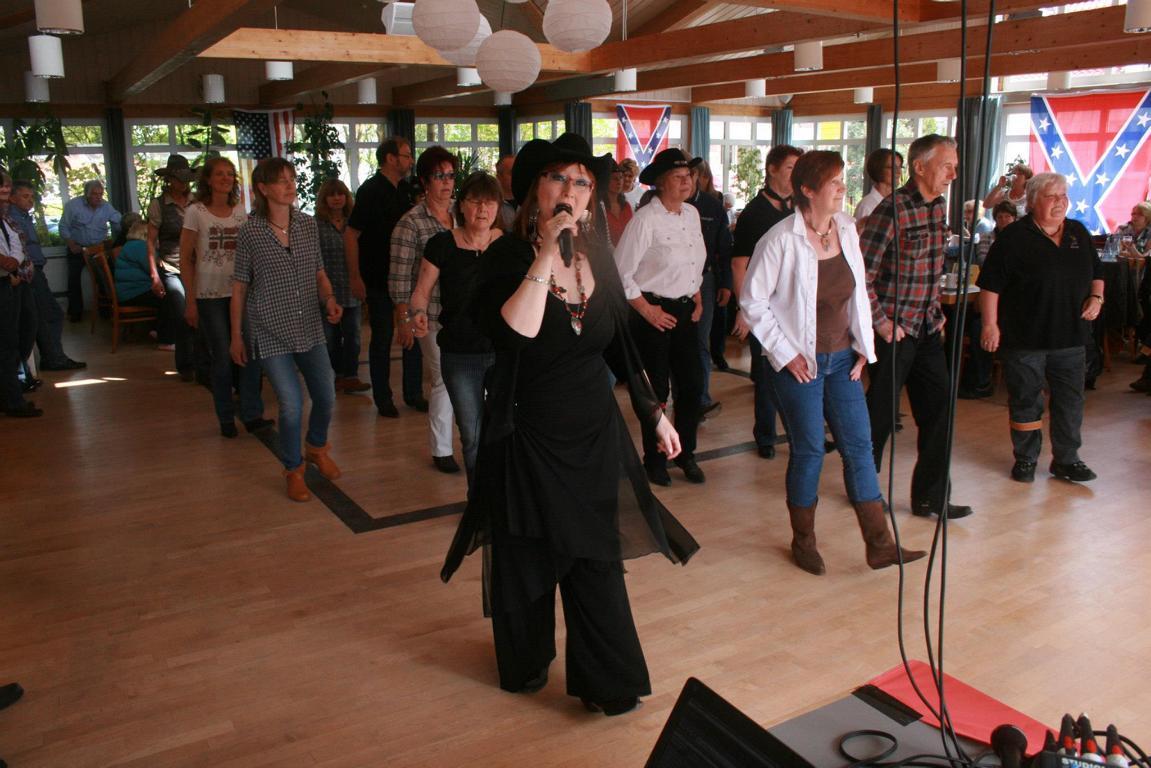 Singen und Tanzen 05