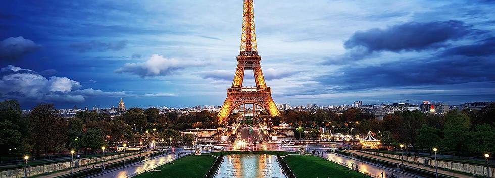 eiffel-tower-paris-france-hostel.jpg