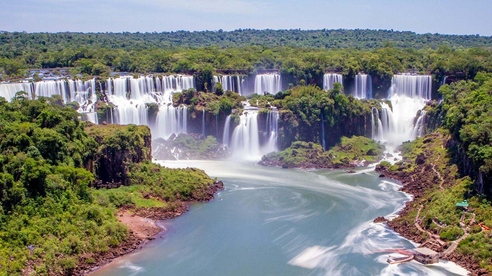 Iguazu-Falls-Brazil-with-Kids-Feature