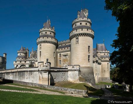 Façade sud avec les tours Jules César et Charlemagne