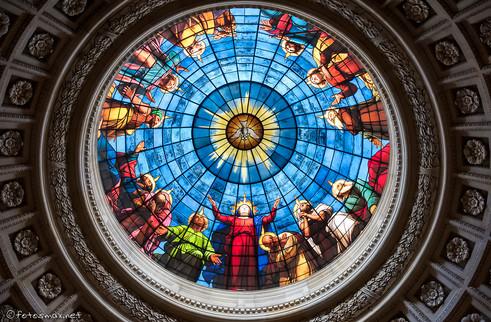 Vitrail représentant la Pentecôte