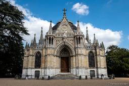 Façade néo-gothique de la chapelle