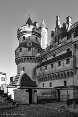 Entrée du château et tour Artus