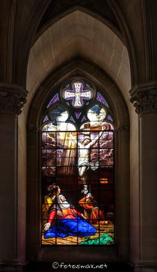La vierge au pied de la Croix