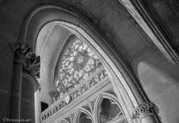 Vue sur la rose de la chapelle depuis la tribune impériale