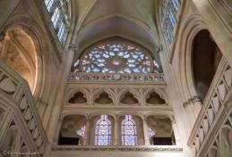 Tribune et rose de la chapelle