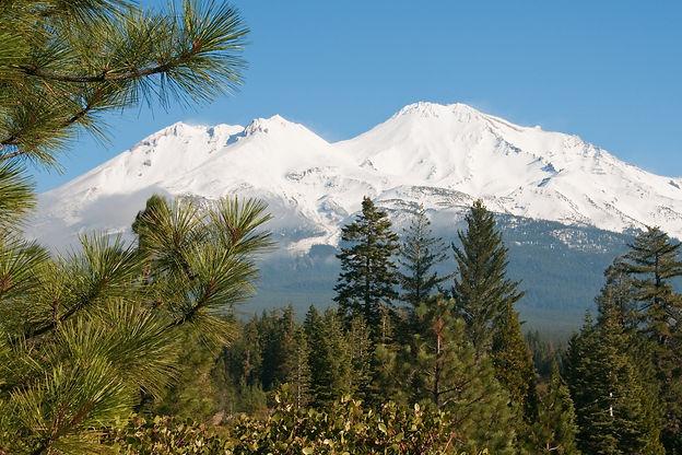 Mt. Shasta shutterstock_65586250.jpg