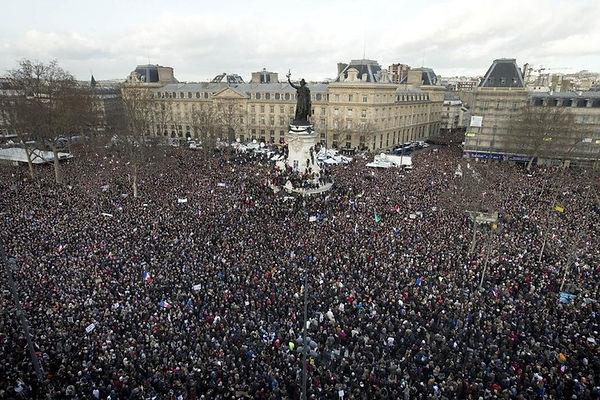 Direct-Marche-republicaine-1-5-million-m