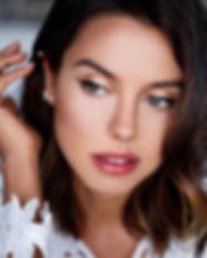 5 astuces maquillag pour des dents plus blanches