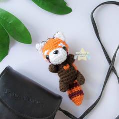 red-panda-keychain-3jpg