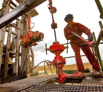 Petróleo fecha em alta; barril do WTI atinge US$ 70 pela primeira vez desde 2018