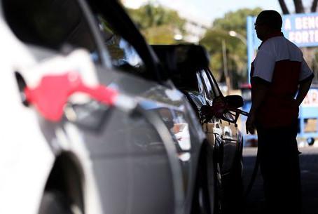 Etanol segue competitivo ante gasolina em 5 Estados brasileiros, diz ANP