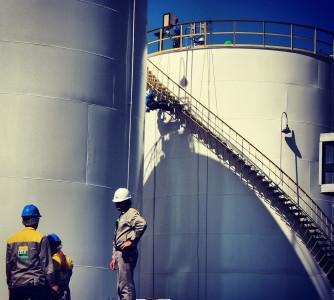 Venda de anidro pelas usinas do Centro-Sul sobe 35% no ano; produção cresce 11,3%