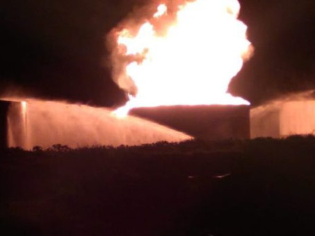 Raio atinge usina e provoca incêndio em Serranópolis