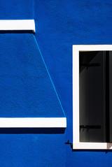 blu e linee bianche.jpg