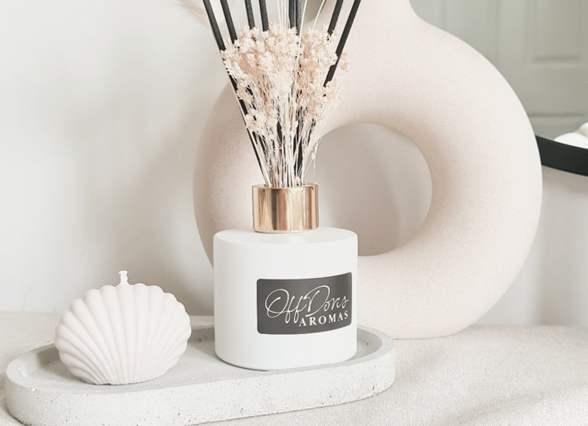 Add the finishing touches to your home with out stylish matt black or white reed diffusers.     Reed diffusers are a fuss-free way of adding a luxury fragrance to your home.