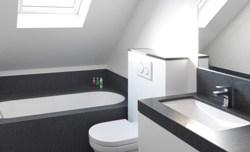 badkamer in gezoet graniet