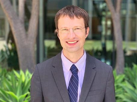 Dr. Bernd Schnabl