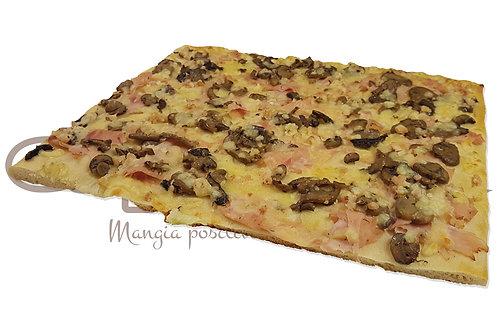 Pizza Funghi Prosciutto Cotto e Mozzarella  30*40  700 g 8 pz