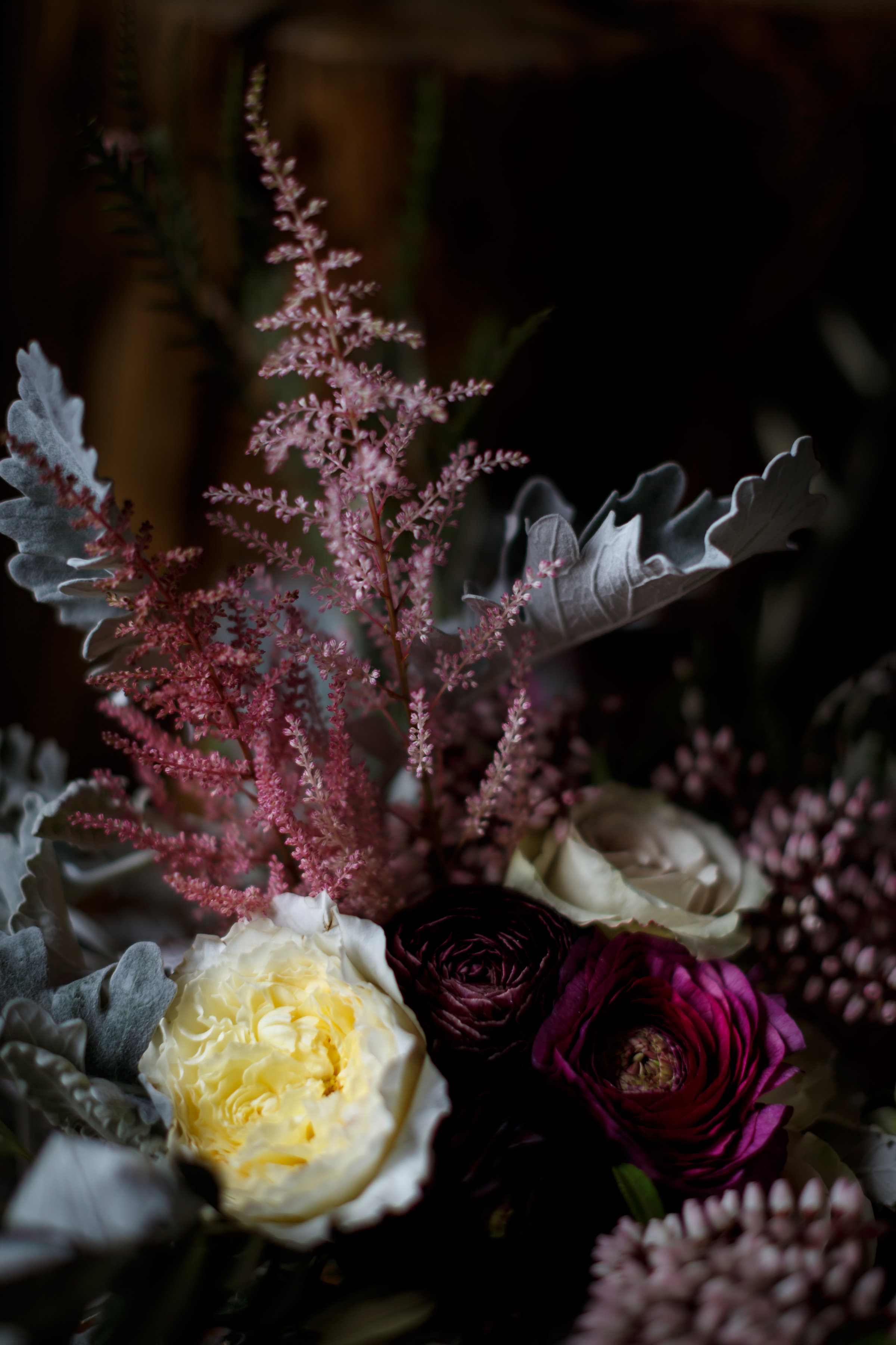 Textural wedding flowers