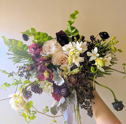 dark and sultry wedding flowers