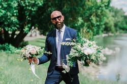 delivering the wedding flower