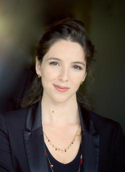Mathilde Dhondt - Comédienne Voix Off - Corporate