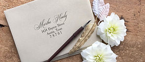 gold_envelope_wedding_invitations.jpg