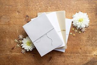 metallic_pearl_envelopes_wedding.jpg