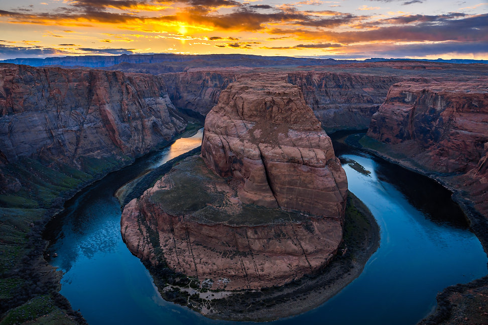 horseshoe-bend-at-sunset-arizona-usa-Z6X