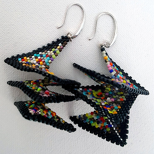 HOOK EARRINGS 3¨ x 1 1/4¨
