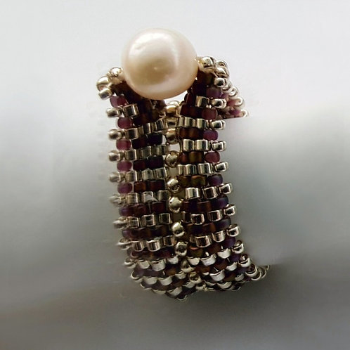 BEADED RING size 8