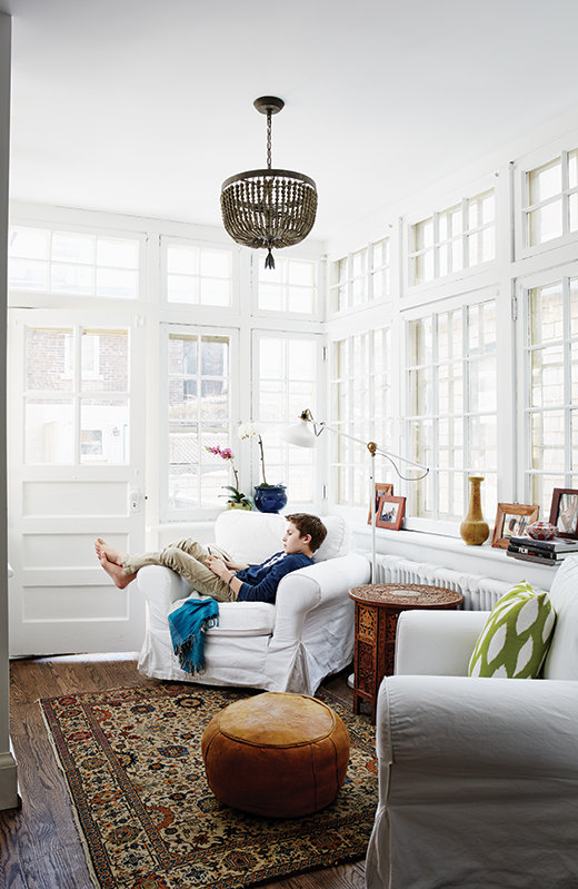 13-white-wood-rooms-HH-JN14-child-in-liv