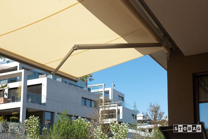 Stores bannes pour terrasses et balcons