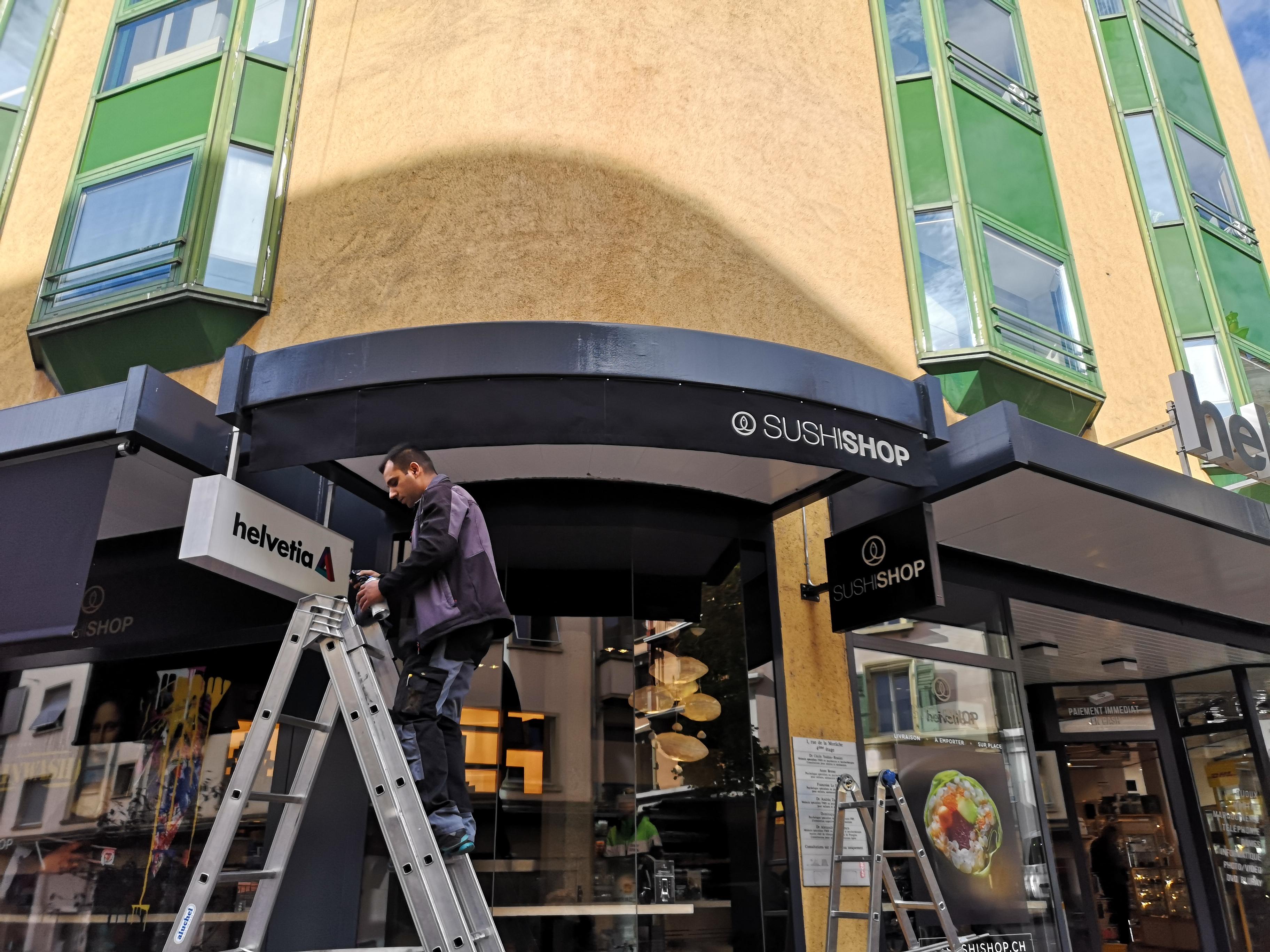Stores vertical à Nyon