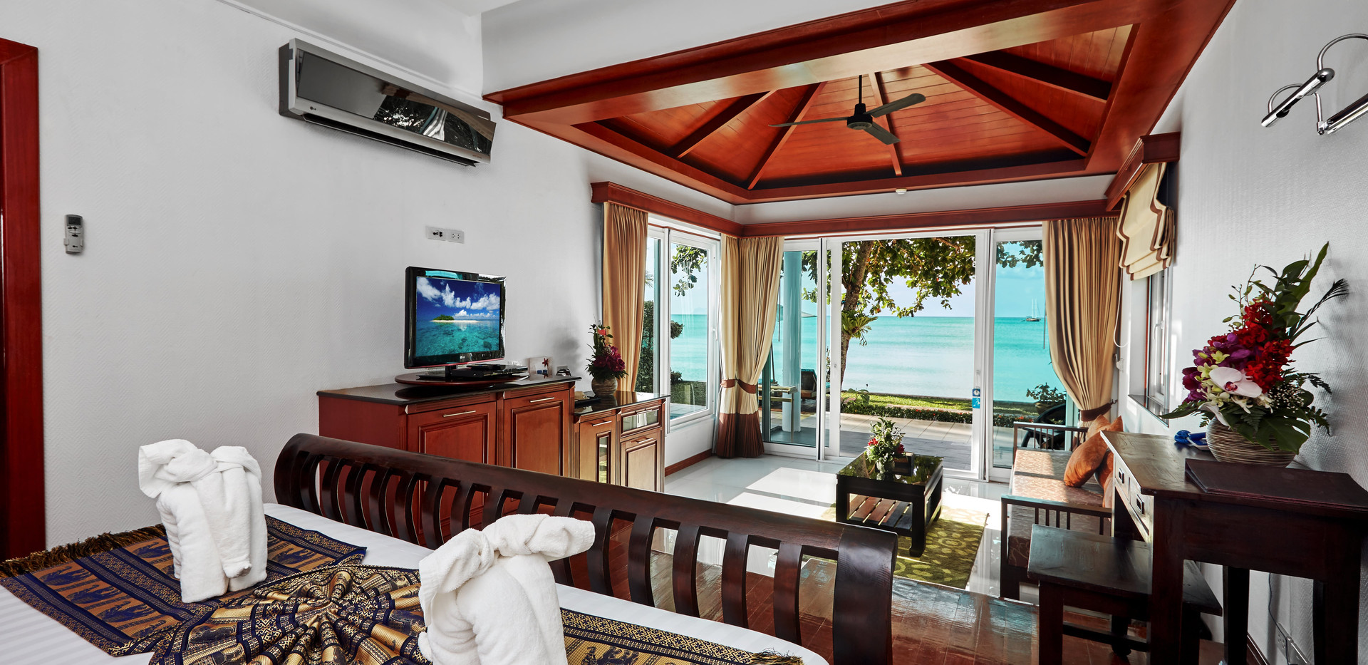 Beachfront Villa - inside 2.jpg