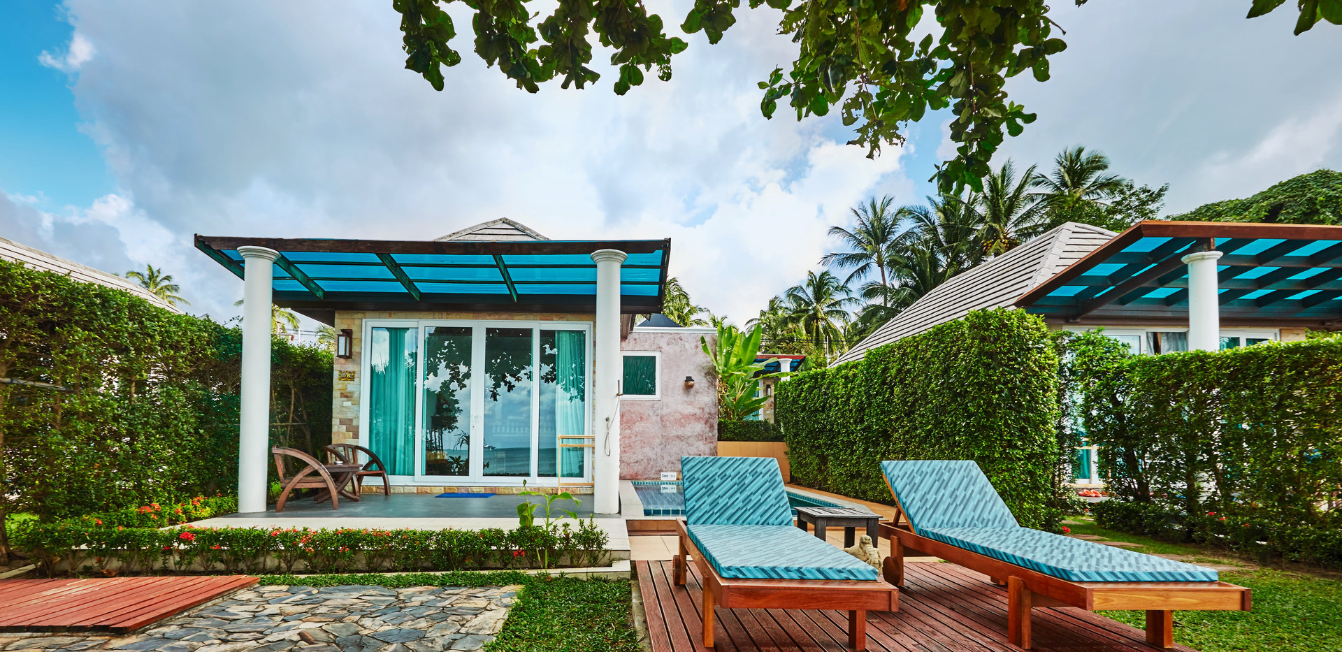 Beachfront Villa - outside.jpg